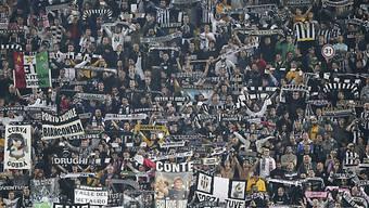 In die Juventus-Fankurve werden für einmal Kinder eingeladen