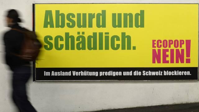 Plakat der Ecopop-Gegner