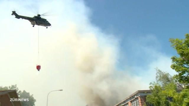 200 Feuerwehrleute und mehrere Super-Pumas gegen das Inferno in Horn