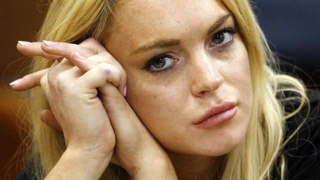 Mit Schmollmund vor dem Richter: Lindsay Lohan