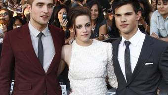 Kristen Stewart mit ihren Filmpartnern