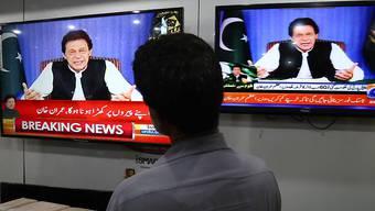 In seiner ersten Rede im Fernsehen als neuer Premierminister Pakistans hat Imran Khan am Sonntag einen grundlegenden Wandel für sein Land angekündigt.