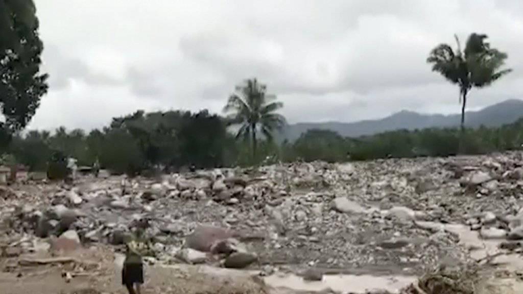 Tropensturm «Tembin» brachte kurz zu Weihnachten Überschwemmungen und Erdrutsche auf die Philippinen. Mindestens 240 Menschen kamen ums Leben. Nun hält der Sturm auf Vietnam zu.
