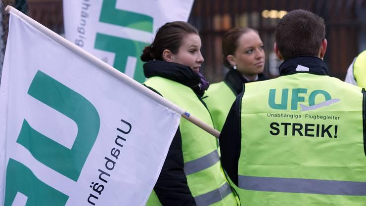 Morgen gilt es ernst: Lufthansa-Flugbegleiter wollen streiken.