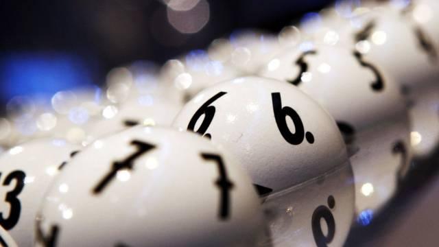 Wer richtig tippt, kann Multimillionär werden (Symbolbild)