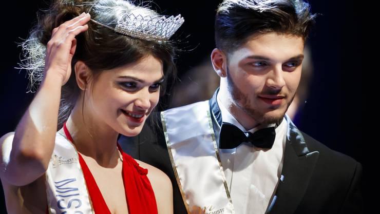 Margaux Matthey (l) und Lirim Ramosaj (r) sind Miss und Mister romande 2018. Sie wurden am 24. Februar in Lausanne gewählt.