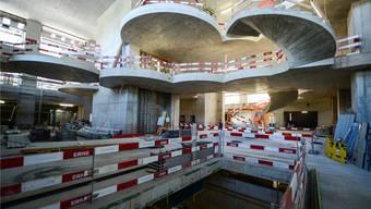 Unübersichtliche Situation: Das neue Biozentrum an der Basler Spitalstrasse ist noch nicht ganz fertig. Martin Töngi/BZ-Archiv