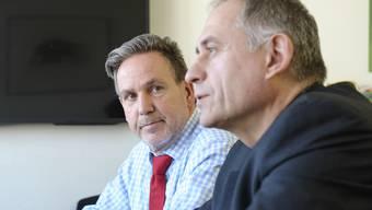 Uneins über das Millionenversprechen: BVB-Finanzchef Stefan Popp (l.) und Bau- und Verkehrsdirektor Hans-Peter Wessels