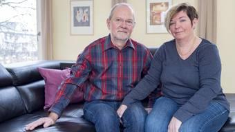 In Basel gibt es neu eine Selbsthilfegruppe für verlassene Eltern. Gespräch mit dem Gründerehepaar Isolde und Markus Lüthi bei ihnen zuhause in Aesch.