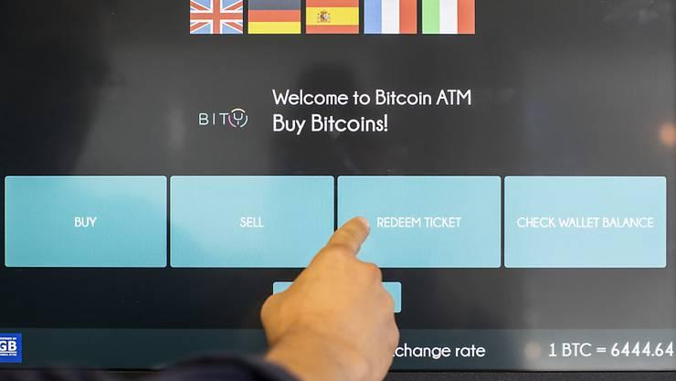 Kryptowährungen wie der Bitcoin sollen gemäss der Geldwäscherei-Behörde FATF künftig unter Aufsicht gestellt werden. (Archivbild)