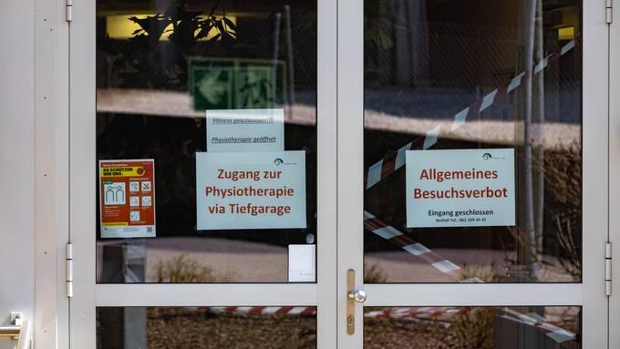 Im Seniorenzentrum herrscht wieder Besuchsverbot (Symbolbild)