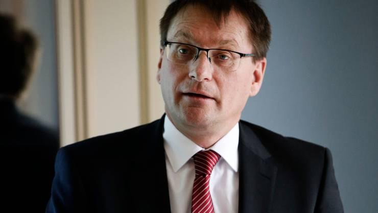 Valiant-CEO Ewald Burgener an einer Medienkonferenz in Zürich.