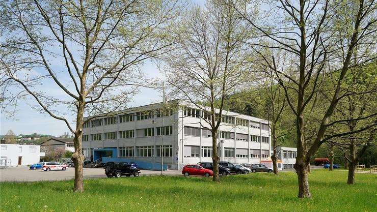 Das ehemalige kantonale Zeughaus in Liestal könnte ab 2019 zum Bundesasylzentrum werden.