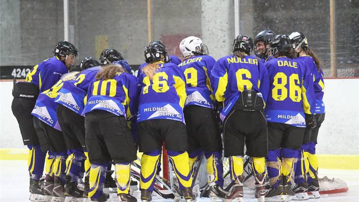 Sie reiten derzeit auf einer Erfolgswelle: Die Hockeyanerinnen des EHC Laufen. EDGAR HäNGGI