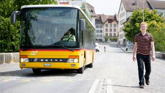 Vortritt für Bus und Fussgänger: VCS-Geschäftsführer Micha Siegrist in Aarau.