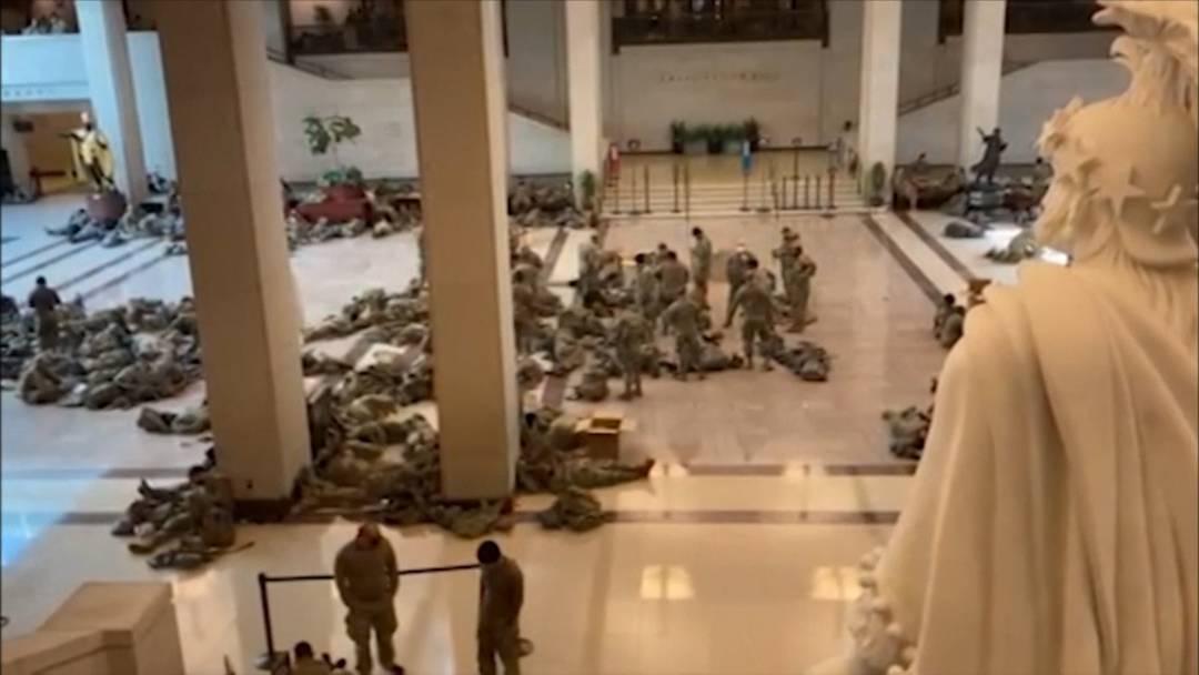 National Gardisten schlafen im Kapitol