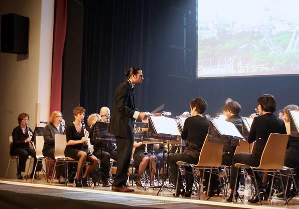 Tobias Zwyer hatte sein Orchester im Griff.jpg