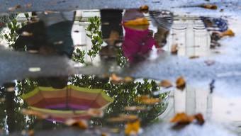Seit Freitagnachmittag hat es in der Schweiz teilweise grössere Regenmengen gegeben. Besonders viel Regen fiel in Altenrhein und auf dem Chasseral. (Symbolbild)