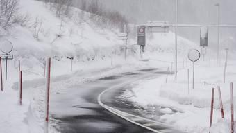 Eisige Winde und heftiger Schneefall sind am Mittwoch über die Schweiz hinweggezogen. (Archivbild)