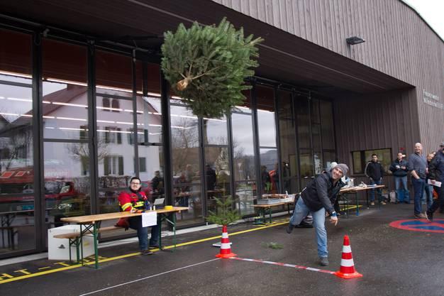 Der Weihnachtsbaum fliegt hervorragend.