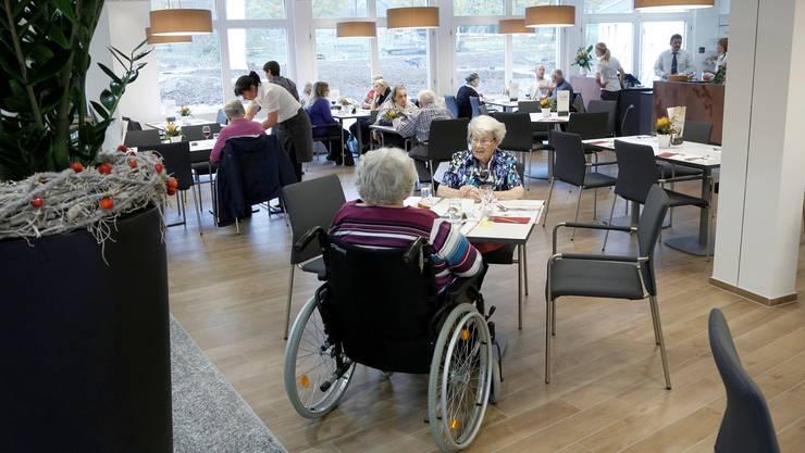 Zückerli für die Baselbieter Heimbewohner: Sie haben für das Jahr 2011 zu viel für ihren Heimaufenthalt bezahlt.