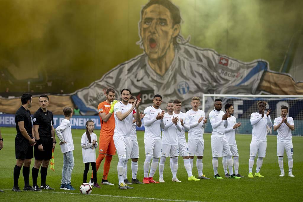 Die Fans würdigen ihn mit einem riesigen Transparent.