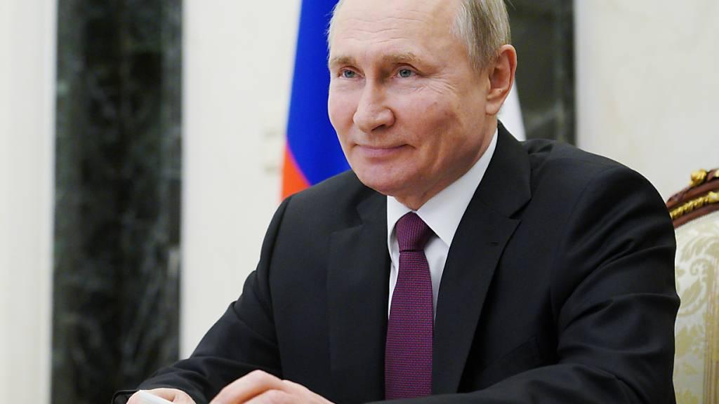 Kremlchef Putin ruft zu Corona-Impfungen auf