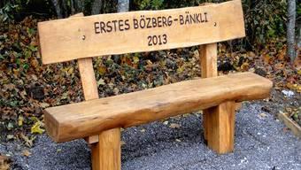 Das «Erste Bözberg-Bänkli 2013» heisst Wanderer zur spontanen«Sitzung» willkommen. Arthur Dietiker