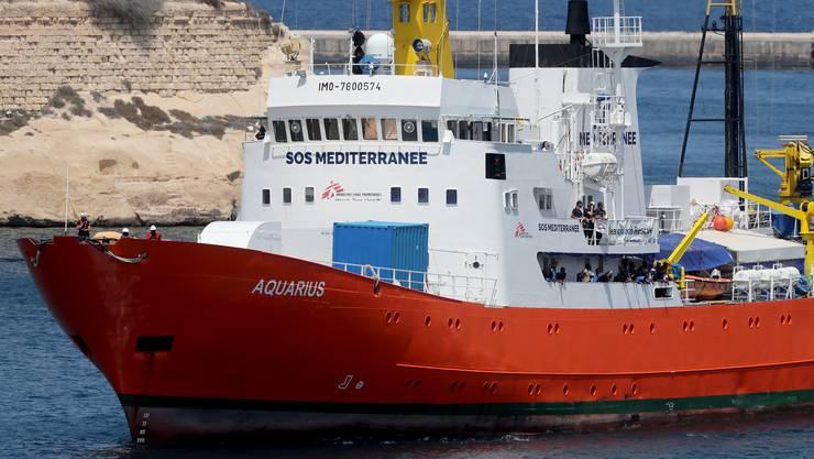 Bald unter Schweizer Flagge? Das Seerettungsschiff «MV Aquarius» vor der Küste Maltas.