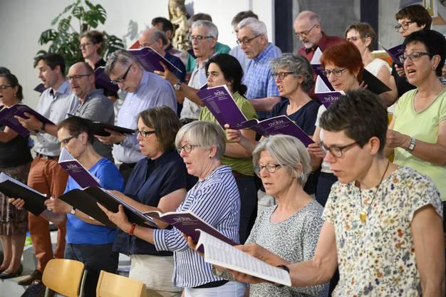 Probe in der Kirche St. Anton für die Jubiläumskonzerte in Zusammenarbeit mit dem Orchester Sinfonia Baden.
