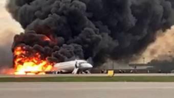 Aeroflot-Jet in Moskau in Flammen