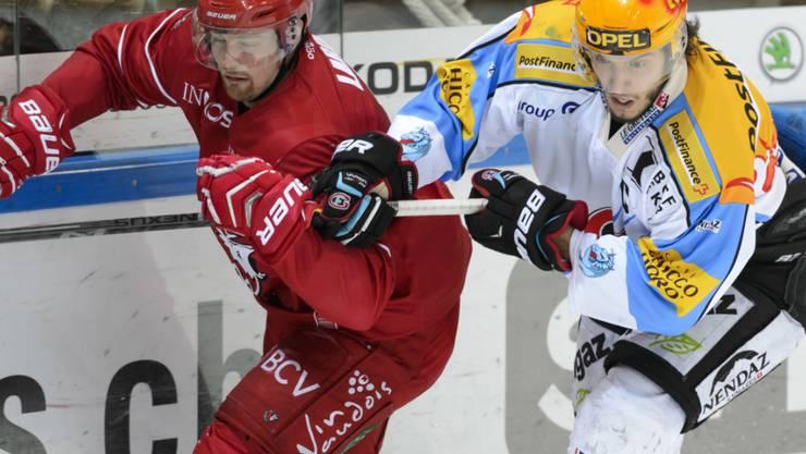 Der Kanadier Colby Genoway (links/Ex-Lausanne) und Fribourg-Topskorer Julien Sprunger spielen künftig im selben Team