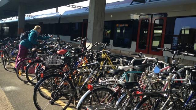 Velopuff am Bahnhof Lenzburg