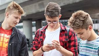 Social Media sind in der Schweiz bereits für fast einen Viertel (22 Prozent) der 18- bis 24-Jährigen die Hauptquelle für News.