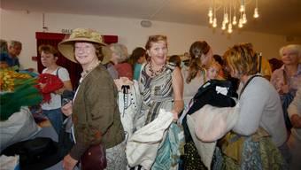 Kultur für alle: Hier beim Kostümverkauf im Stadttheater vor anderthalb Jahren.