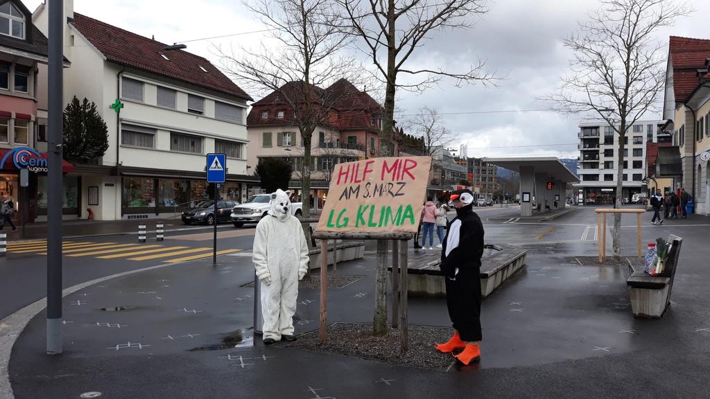 Mitglied der Klimagruppe Wattwil wird bespuckt