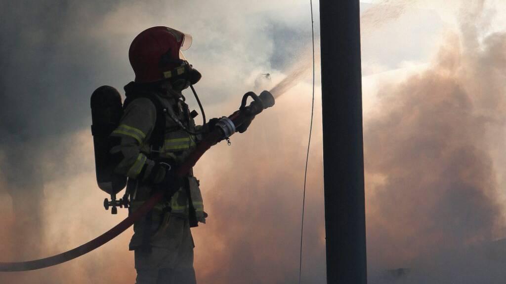 Die Feuerwehr Lugano konnte am Montagnachmittag einen Brand in einem Wohnhaus in Lugano rasch löschen. (Symbolbild)