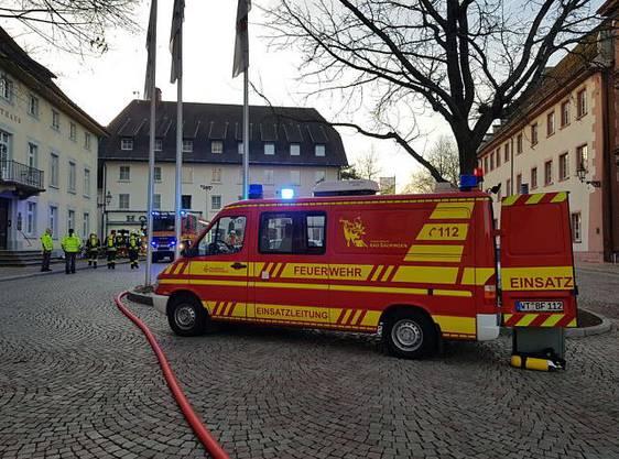 Die Feuerwehr war mit einem Grossaufgebot vor Ort.