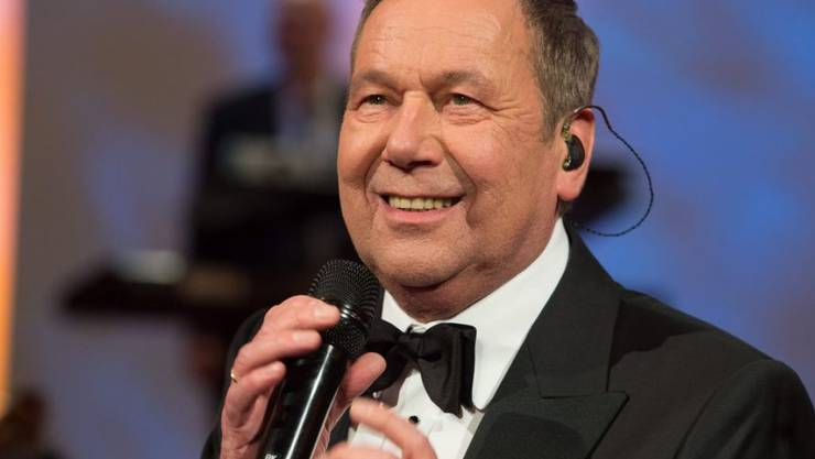 Der deutsche Schlagersänger Roland Kaiser feiert am 10. Mai 2017 den 65. Geburtstag. In Rente gehen will er aber noch längst nicht. (Archiv)