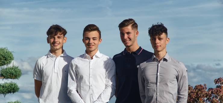 Von links nach rechts: Valentin Batzli (17), Jan Schaller (18), Gian-Andrea Bart (17) und Elia Canneori (18)
