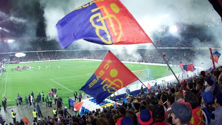 2001: Das Eröffnungsspiel im St. Jakob-Park vor 33 433 Fans.