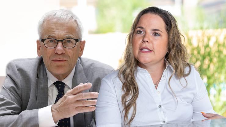 Martina Bircher und Kurt Fluri argumentieren für und gegen die Kündigungsinitiative.