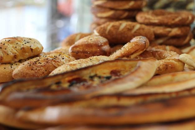 In der Bäckerei Sila wird drei Mal täglich frisches, orientalisches Brot offeriert.