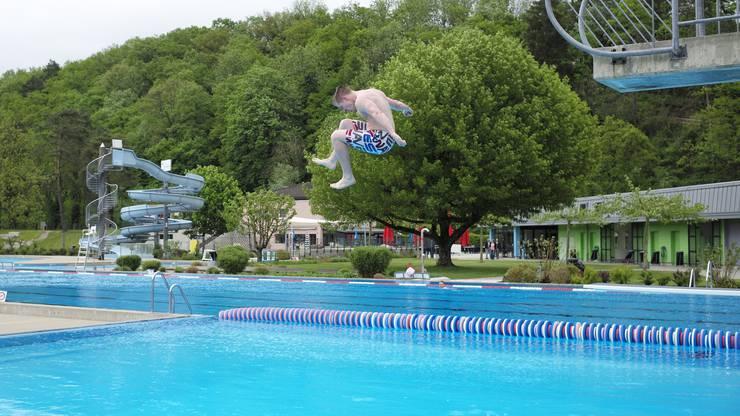 Erlaubt sind nur Sportaktivitäten wie Schwimmen und Aqua-Jogging.