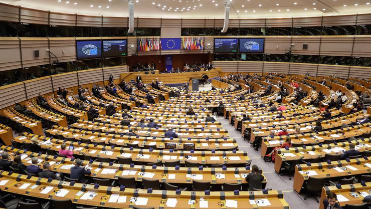 Das EU-Parlament hat den Brexit-Vertrag angenommen.