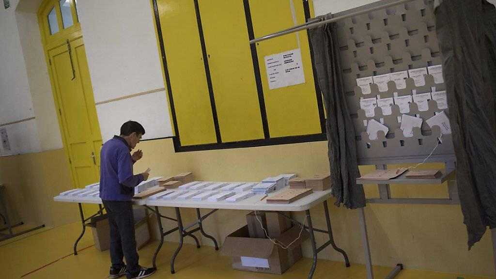 Wahllokal bei den Wahlen in Spanien vom vergangenen Wochenende: Bei den US-Wahlen im November bereitet sich die OSZE auf einen Grosseinsatz vor. (Symbolbild)