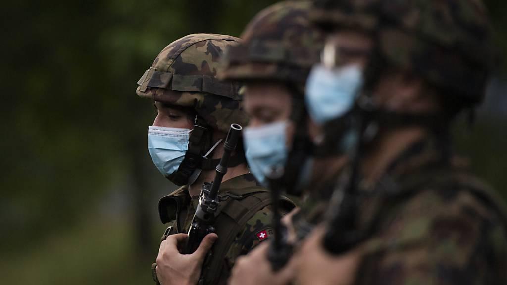Armee tauscht Schutzmasken der Firma Emix um