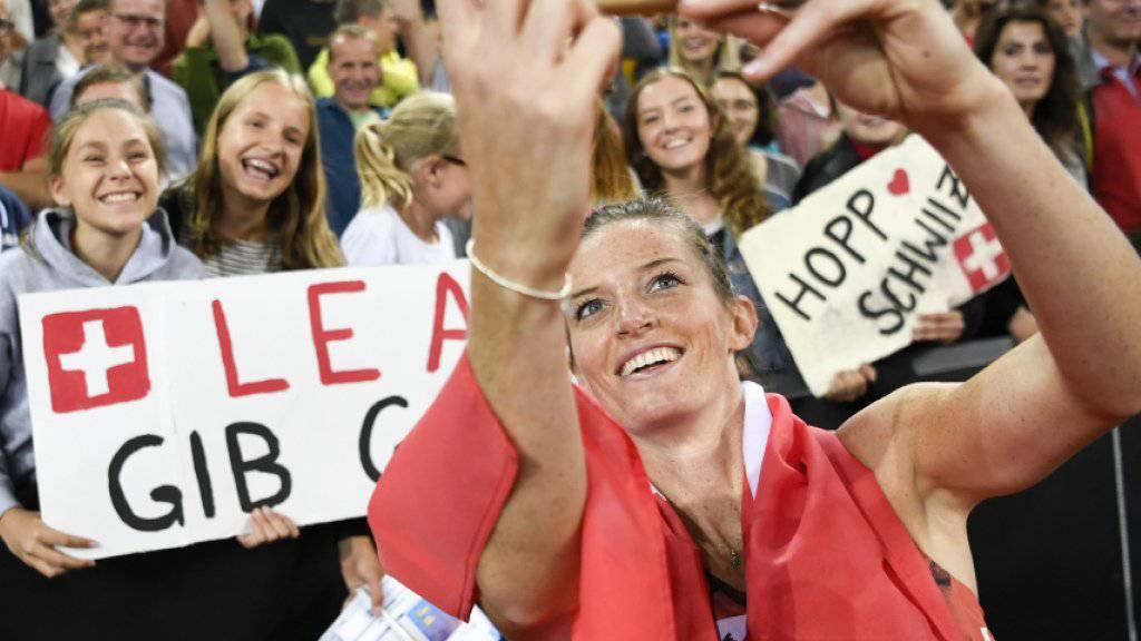 Lea Sprunger: Die Fans in der Schweiz, der Trainer im Ausland.
