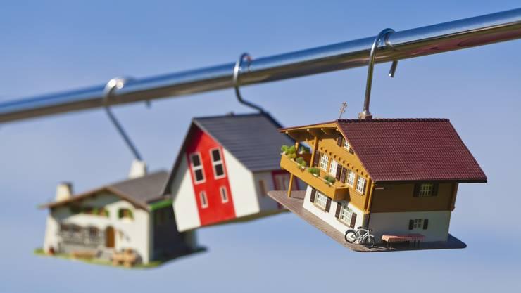 Der Traum vom eigenen Haus lockt immer - derweil fallen am Hypothekarmarkt alte Gewissheit weg.
