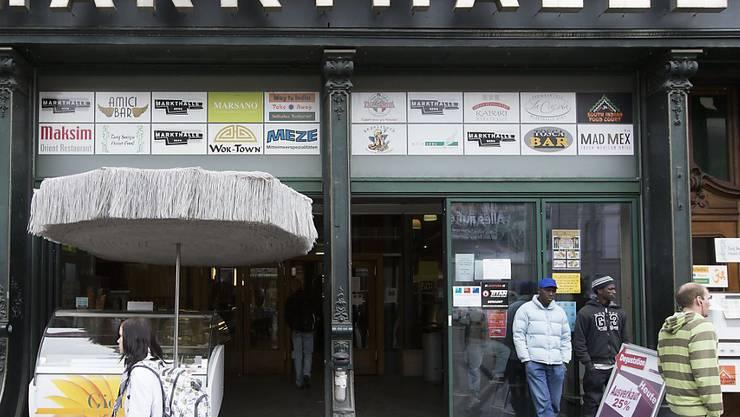 Die Markthalle in Bern erlebt kein Revival: Die Migros Aare hat ihr Umbauprojekt abgebrochen. (Archivbild)